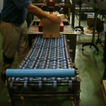 Paletizado manual cajas botellas 2